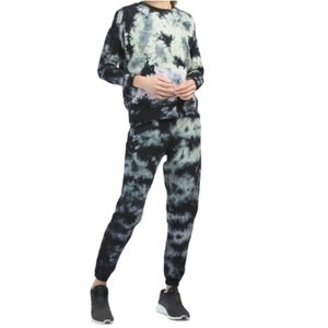 AR-33 Tie Dye Dropped Shoulder Pullover And Jogger